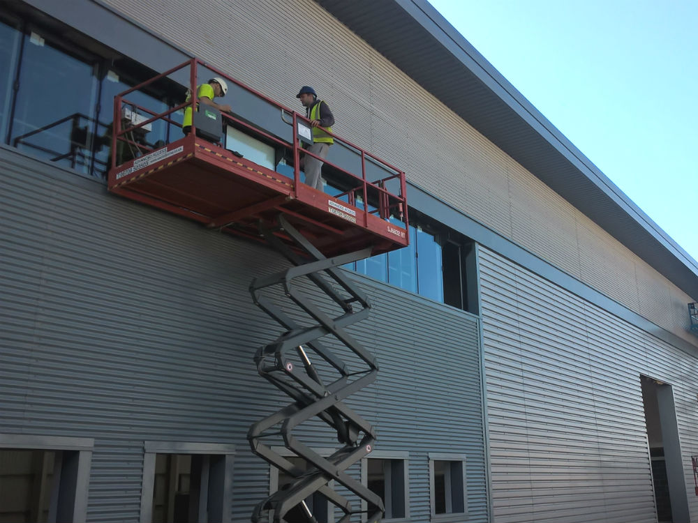 Constructing industrial unit in Portsmout
